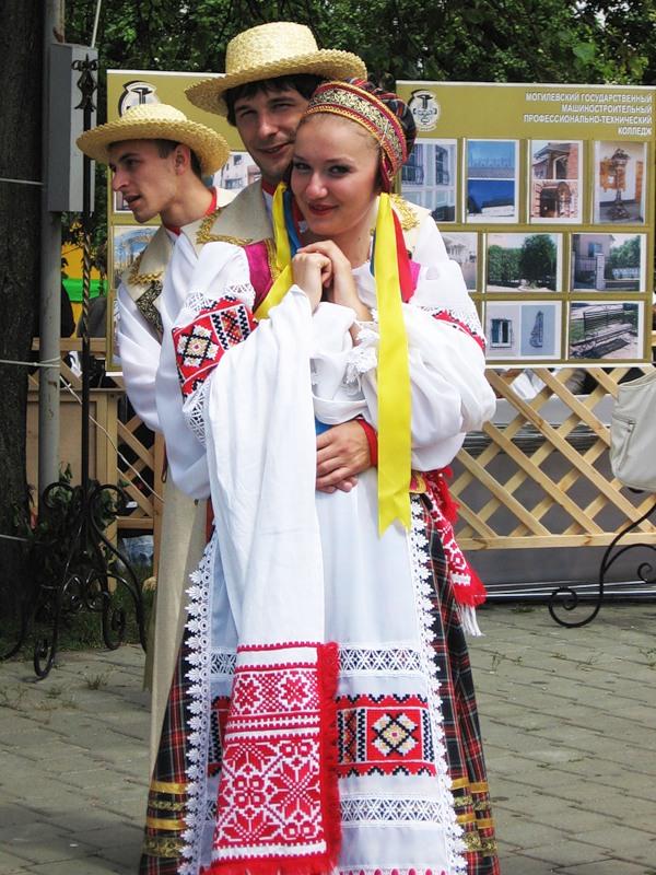 современное оборудование, национальный белорусский костюм фото создании